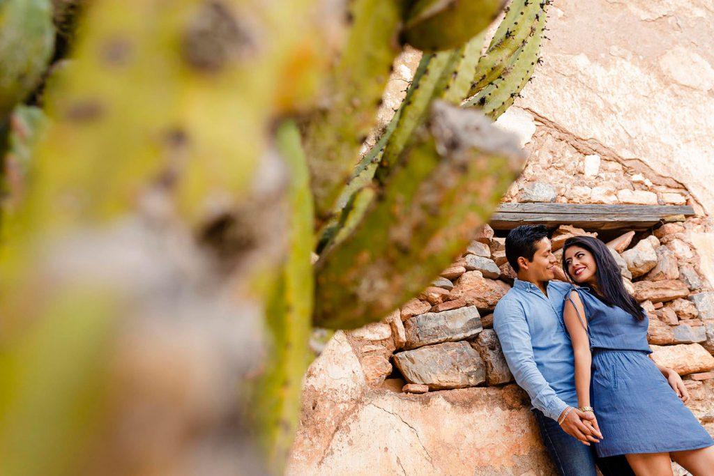 Ximena y Jorge en su sesión fotográfica preboda en cerro de san pedro