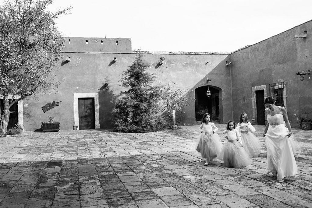 Fotografo de bodas San Luis Potosi, hacienda vallumbroso novia y damitas