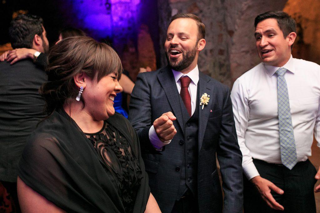 Fotografo de bodas San Luis Potosi, hacienda vallumbroso festejando