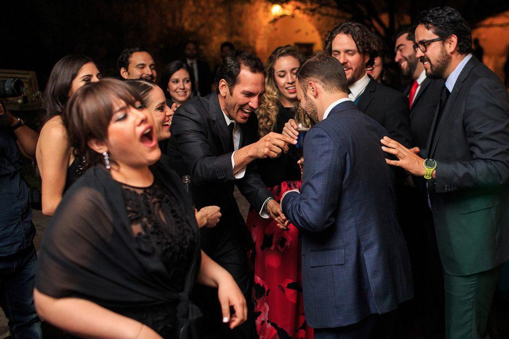 Fotografo de bodas San Luis Potosi, hacienda vallumbroso brindis invitados